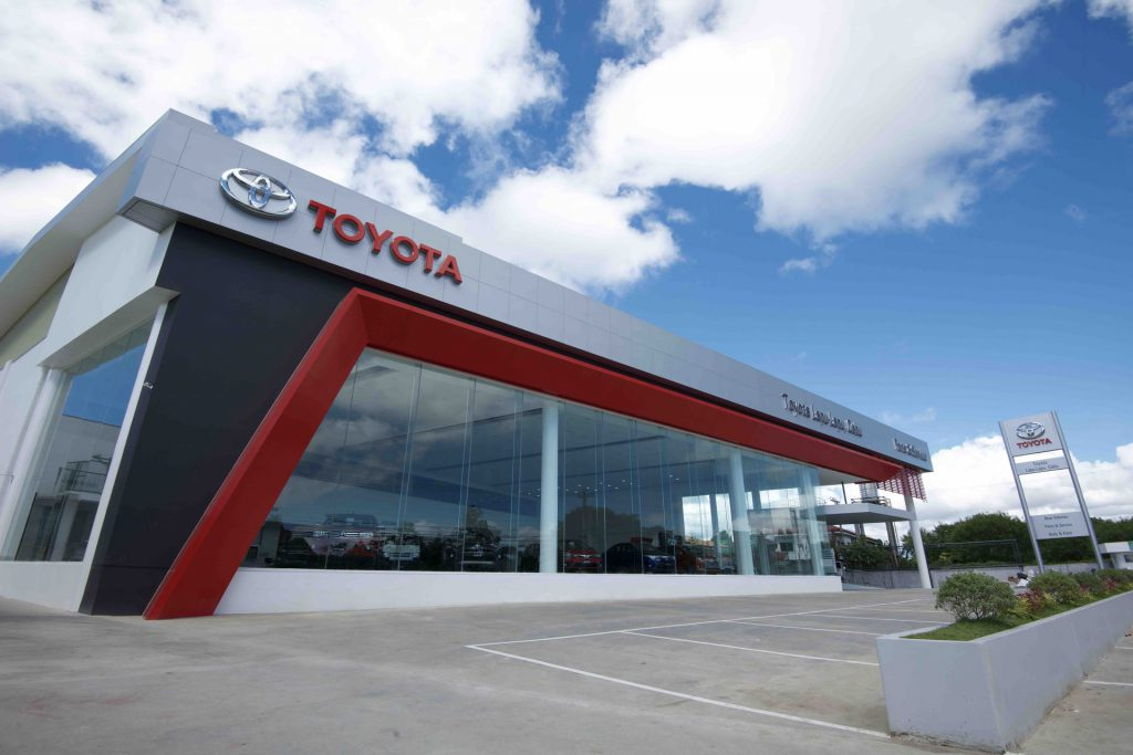 toyota lapu-lapu cebu car shop maintenance repair first party trusted car shop reliable brand